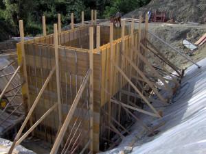 Casseratura in legname per per realizzazione manufatto in cemento amato