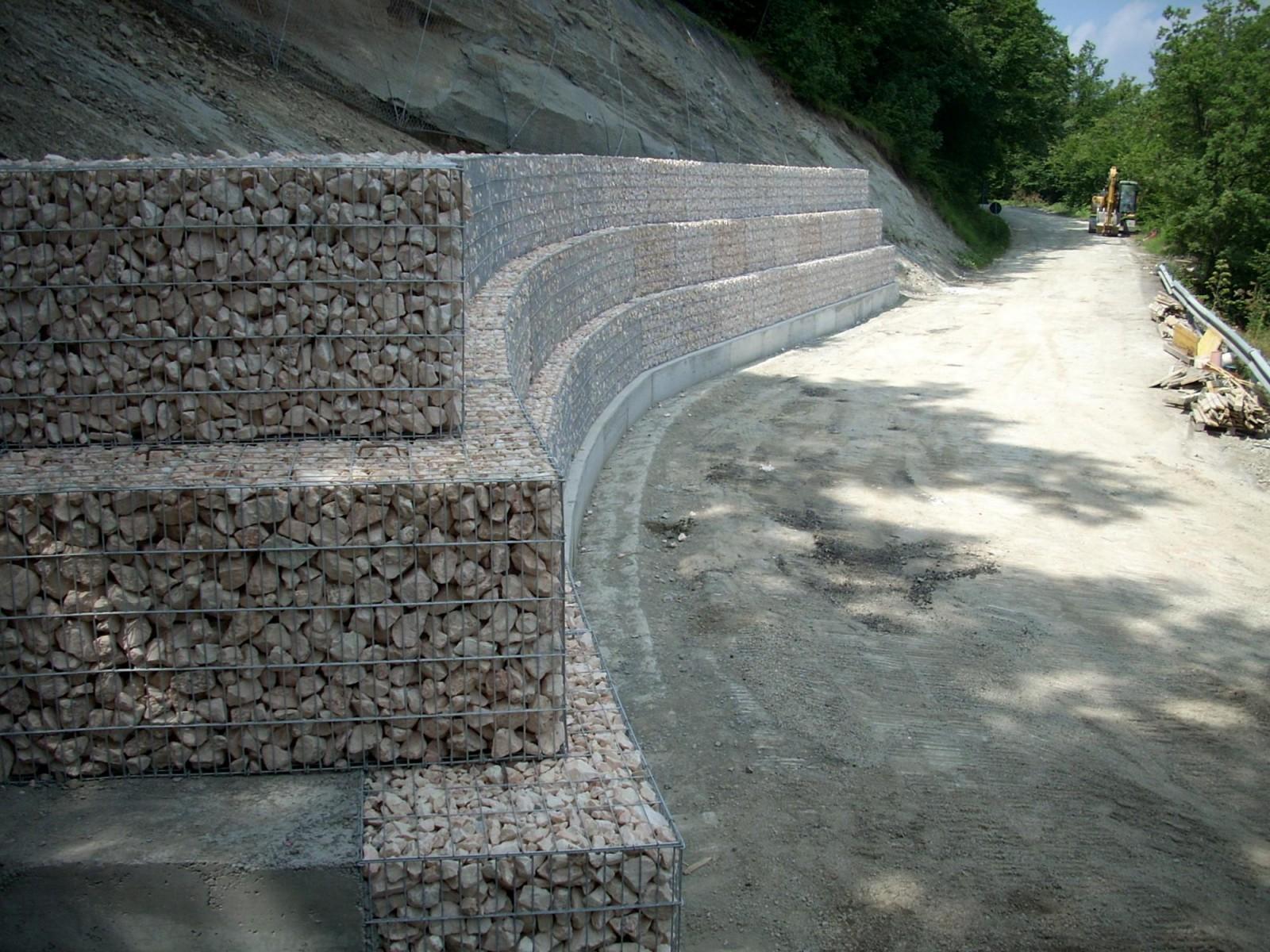 Muri Di Sostegno In Gabbioni.Gabbioni Prefabbricati A Reggio Emilia Modena Parma