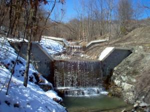 Opera fluviale: briglie nel torrente Guadarolo a Piolo, Reggio Emilia. Cliente: Regione Emilia-Romagna