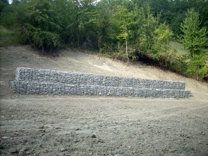 Gabbioni prefabbricati usati per opera di consolidamento versante, presso Bedogno, Reggio Emilia. Cliente: IREN
