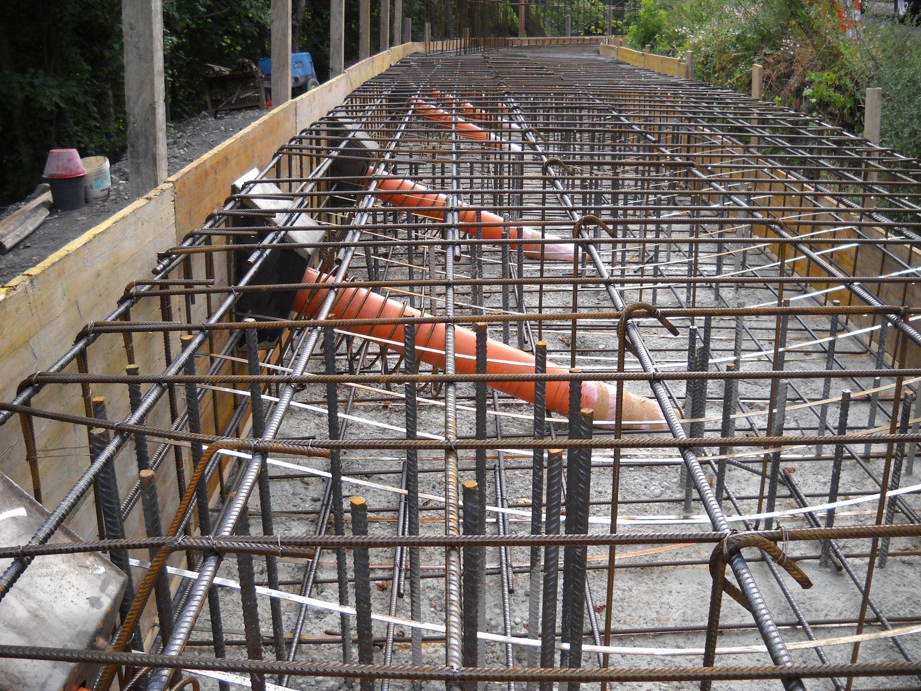 Pali trivellati per consolidamento e fondazioni a reggio for Ferro usato al kg