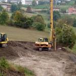 Trivella realizza pali trivellati per consolidamento versante. Realizzazione nuovo depuratore IREN a Groppo, Reggio Emilia.